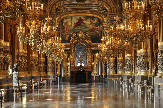 Opera House of Paris, the Palais garnier's grand salon (Photo authors: Eric Pouhier, Rainer Zenz, Niabo).